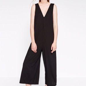 Zara Black Sleeveless Cropped Jumpsuit
